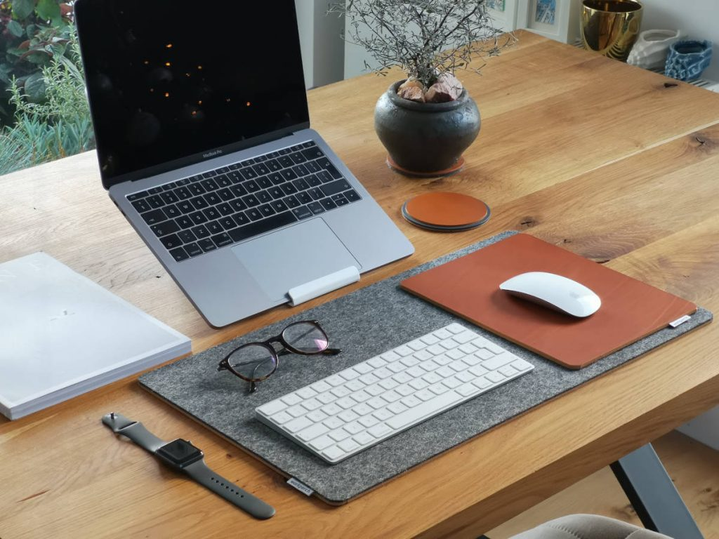 5 best laptop stands for telehealth